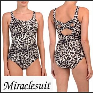 Miraclesuit size 12 black leopard print NWT